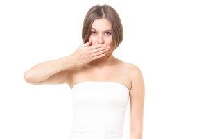 冬に唇が乾燥して痛い!5つ原因と最良の対策!
