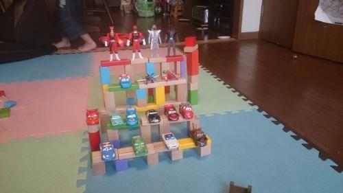 4歳の息子が1歳の頃から遊んでいる子供のおもちゃを紹介!