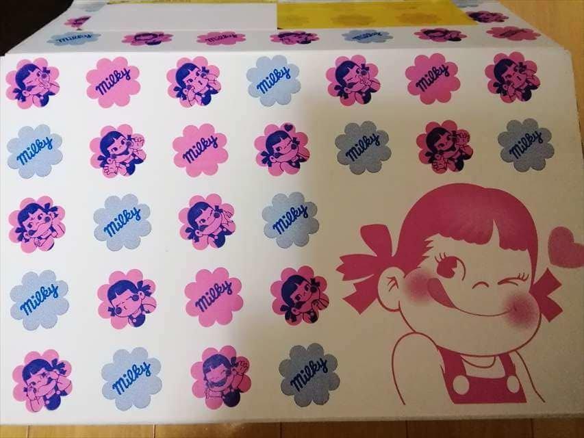カントリーマアムの「お菓子詰め合わせ」の箱